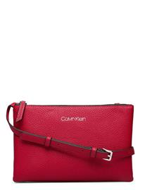 Calvin Klein Ck Everyday Duo Crossbody Bags Small Shoulder Bags - Crossbody Bags Punainen Calvin Klein CHILLI PEPPER