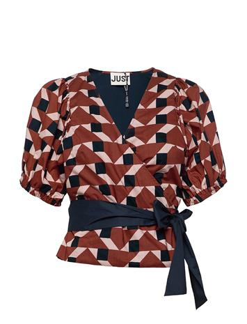Just Female Meghan Wrap Blouse Blouses Short-sleeved Punainen Just Female TRAPEZ AOP
