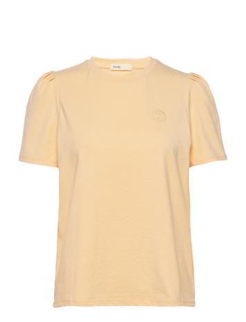 Levete Room Lr-Isol T-shirts & Tops Short-sleeved Keltainen Levete Room L313 - CHAMOMILE
