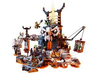 Lego Ninjago 71722, Pääkallovelhon tyrmät