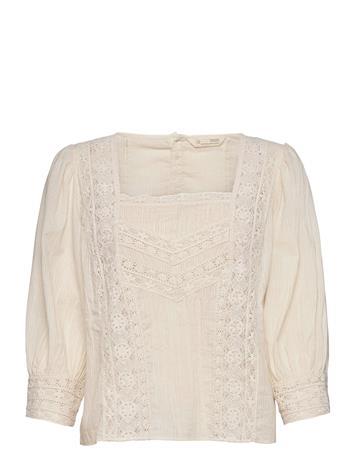ODD MOLLY Laura Blouse Blouses Short-sleeved Kermanvärinen ODD MOLLY LIGHT PORCELAIN