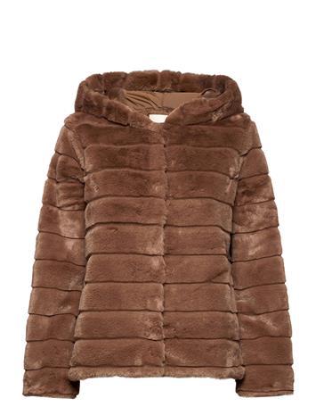FREE/QUENT Fqfurby-Ja-Hood Outerwear Faux Fur Ruskea FREE/QUENT AMPHORA 17-1319, Naisten ulkovaatteet