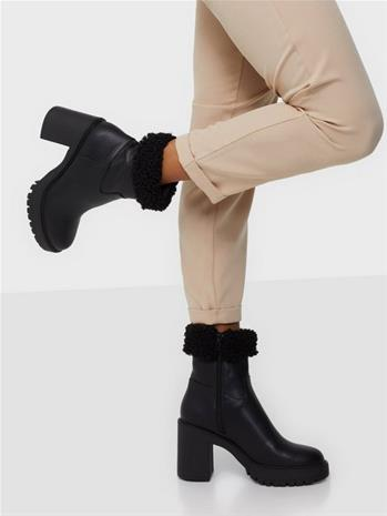 NLY Shoes Genuine Feels Boot