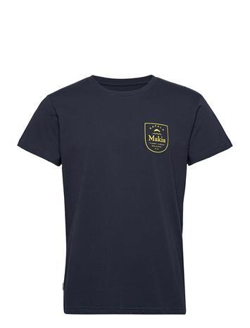 Makia Angler T-Shirt T-shirts Short-sleeved Sininen Makia DARK BLUE, Miesten paidat, puserot ja neuleet