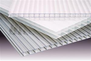 Kasvihuonelevy Gutta 4,5 x 2000 x 1050 mm kirkas