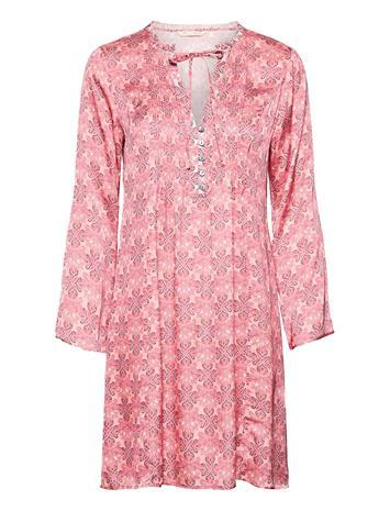 ODD MOLLY Harper Dress Lyhyt Mekko Vaaleanpunainen ODD MOLLY BLUSH PINK