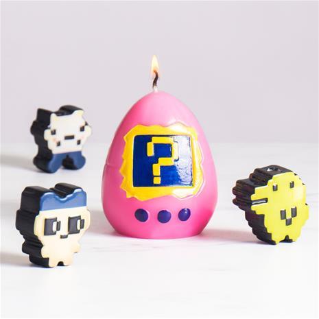 Hatching Virtual Pet Candle, tamagotchikynttilä