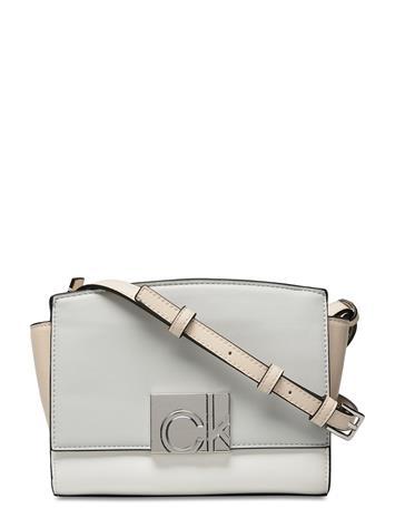 Calvin Klein Ew Xbody W/Zip Jq Strap Bags Small Shoulder Bags - Crossbody Bags Valkoinen Calvin Klein CEMENT / BIRCH / WHITE