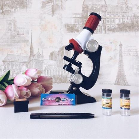 Lapsiystävällinen mikroskooppi