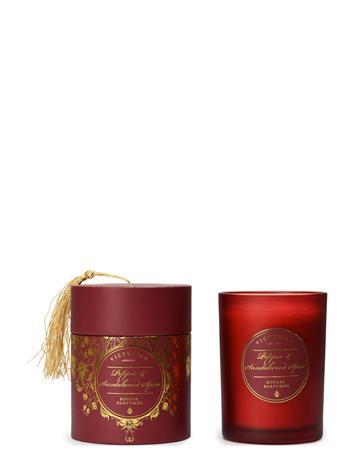 VICTORIAN Sense Tasselbox Pepper & Sandalwood Spice Tuoksukynttilä Punainen VICTORIAN NO COLOR