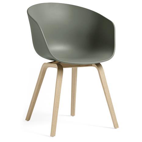 Hay Hay-AAC 22 Tuoli, Vesipohjaisella Lakalla Käsitelty Tammi / Dusty Green