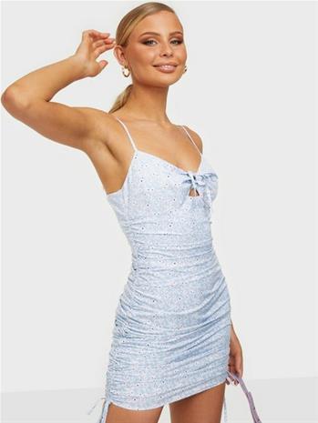 NLY Trend Detailed Slip Dress Kuviollinen